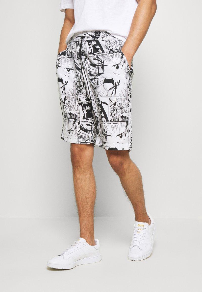 Night Addict - Shorts - white