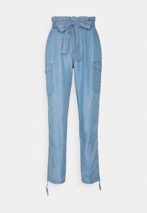 AMIRA PANTS - Pantalon classique - blue denim