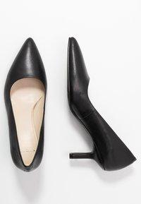 Vagabond - PAULINE - Classic heels - black - 3