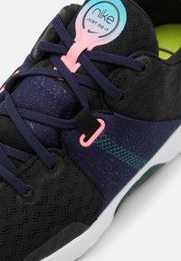 Nike Performance - CITY TRAINER 3 - Zapatillas de entrenamiento - black/sunset pulse/blackened blue - 5