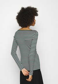 GAP - BATEAU - Langærmede T-shirts - green stripe - 2