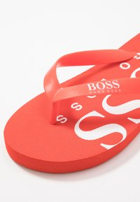 BOSS Kidswear - Pool shoes - bright red - 2