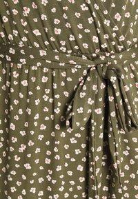 GAP - WRAP DRESS - Jersey dress - green - 4