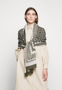 By Malene Birger - JULEE - Sjal - olive night - 0