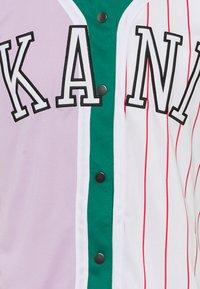 Karl Kani - COLLEGE BLOCK PINSTRIPE BASEBALL SHIRT UNISEX - Print T-shirt - lilac - 2
