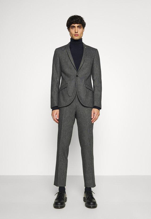 NEWTOWN SUIT - Costume - grey