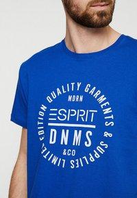 Esprit - T-shirt z nadrukiem - bright blue - 4
