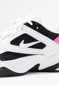 Nike Sportswear - M2K TEKNO - Sneakersy niskie - white/china rose/black - 2