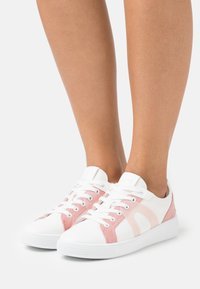 Esprit - AGNES - Sneakers laag - white - 0