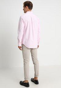 GANT - THE OXFORD - Camisa - light pink - 2