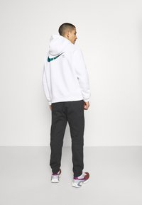 Nike Sportswear - ZIGZAG HOODIE - Sweatshirt - white - 2