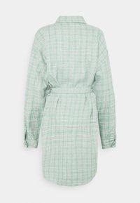 Missguided Plus - BELTED SHIRT DRESS - Shirt dress - green - 1