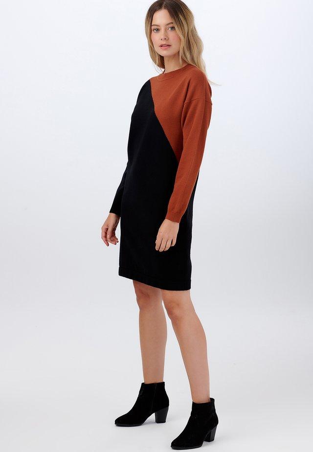 SUGARHILL BRIGHTON JETT ARC SPLIT - Robe pull - black