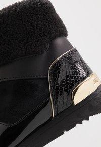 MICHAEL Michael Kors - ZIA ALLIE DONATAS - Sneakers hoog - black - 2