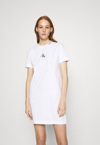 Calvin Klein Jeans - CENTER MONOGRAM DRESS - Jerseyjurk - bright white - 0