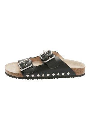 BLACK BUCKLE CORKBED SANDALS (OLDER) - Slippers - black