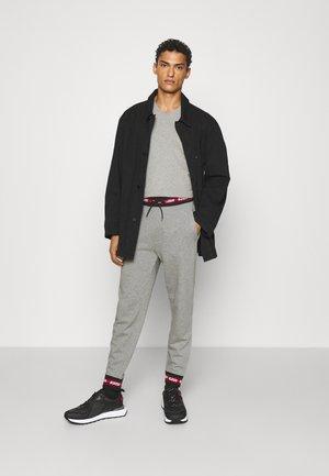 V NECK 2 PACK - T-shirt - bas - grey