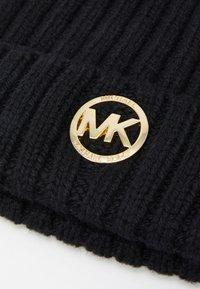 MICHAEL Michael Kors - PATCH BEANIE - Czapka - black/gold-coloured - 4