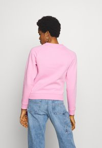 Tommy Jeans - TJW CHEST LOGO - Sweatshirt - pink daisy - 2