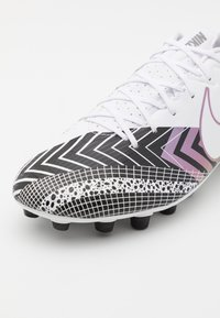 Nike Performance - MERCURIAL VAPOR 13 ACADEMY MDS AG - Moulded stud football boots - white/black - 5