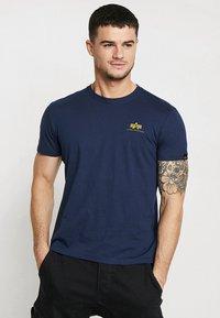 Alpha Industries - Print T-shirt - new navy - 0