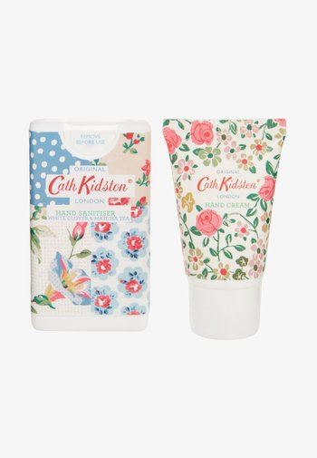 PATCHWORK COSMETIC POUCH - Bath and body set - -