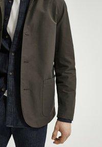 Massimo Dutti - MIT KAPUZE  - Summer jacket - khaki - 3