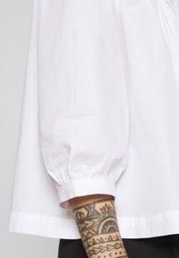 Selected Femme Petite - SLFNOVA - Bluzka - bright white - 4