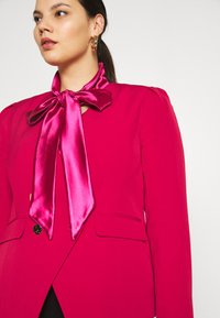 CAPSULE by Simply Be - OLIVIA NEW STYLE TROPHY - Blazer - red - 4