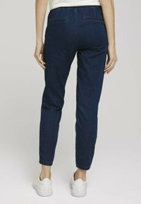 TOM TAILOR - Relaxed fit jeans - mid stone wash denim - 2