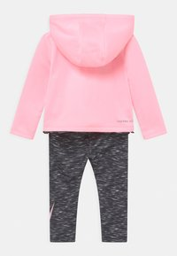 Nike Sportswear - THERMA SET - Verryttelytakki - black - 1