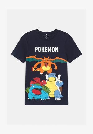 NKMPOKEMON - T-shirt z nadrukiem - dark sapphire