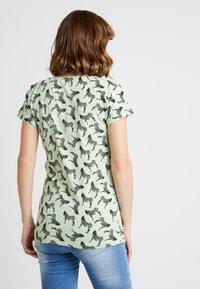 Supermom - TEE ZEBRA - Print T-shirt - smoke green - 2