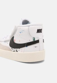 Nike Sportswear - BLAZER MID '77 BB BT UNISEX - Baskets montantes - white/black/sail - 4
