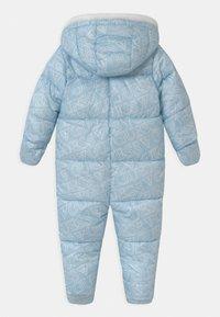 Guess - PADDED BABY UNISEX - Lyžařská kombinéza - light blue - 1