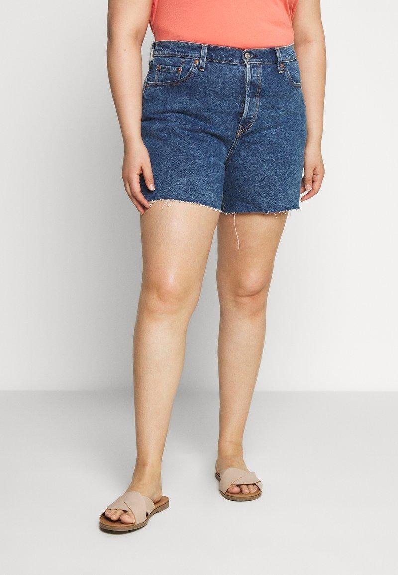 Levi's® Plus - 501® ORIGINAL SHORT - Denim shorts - charleston erosion