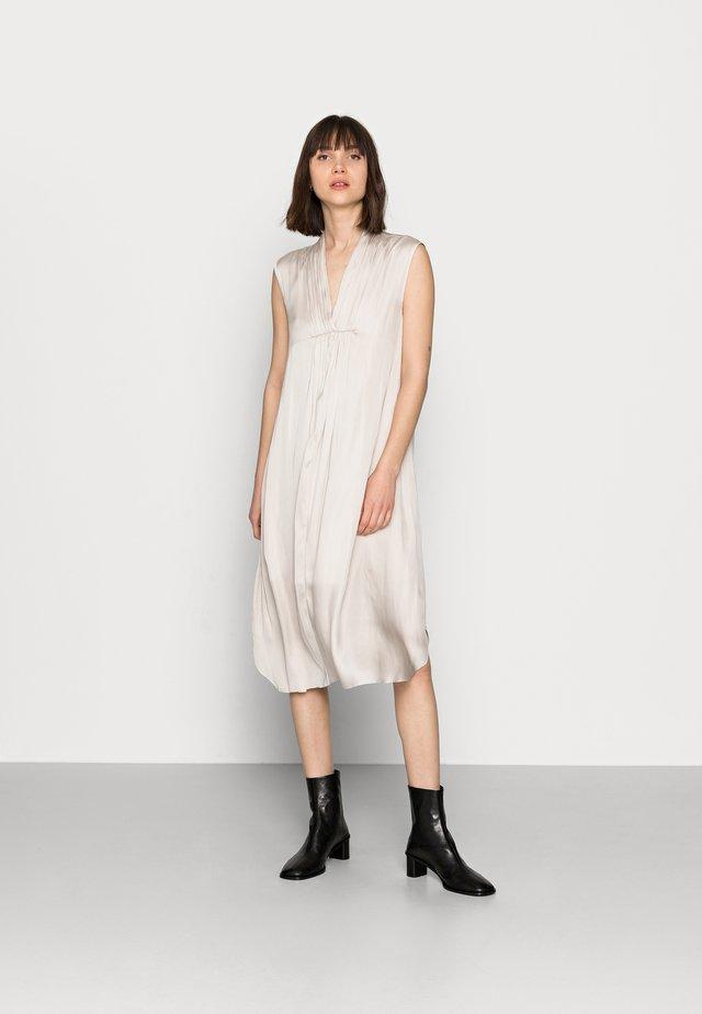 DAY IMPRESS - Denní šaty - ivory