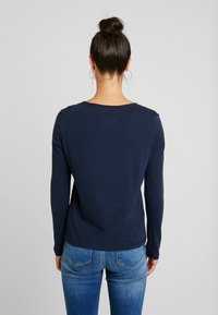 Tommy Jeans - TJW SOFT JERSEY LONGSLEEVE - Long sleeved top - black iris - 2