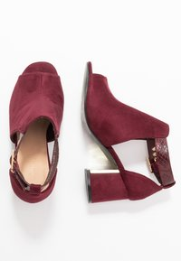 Simply Be - WIDE FIT DETAIL SHOE - Sandaler m/ skaft - burgundy - 3