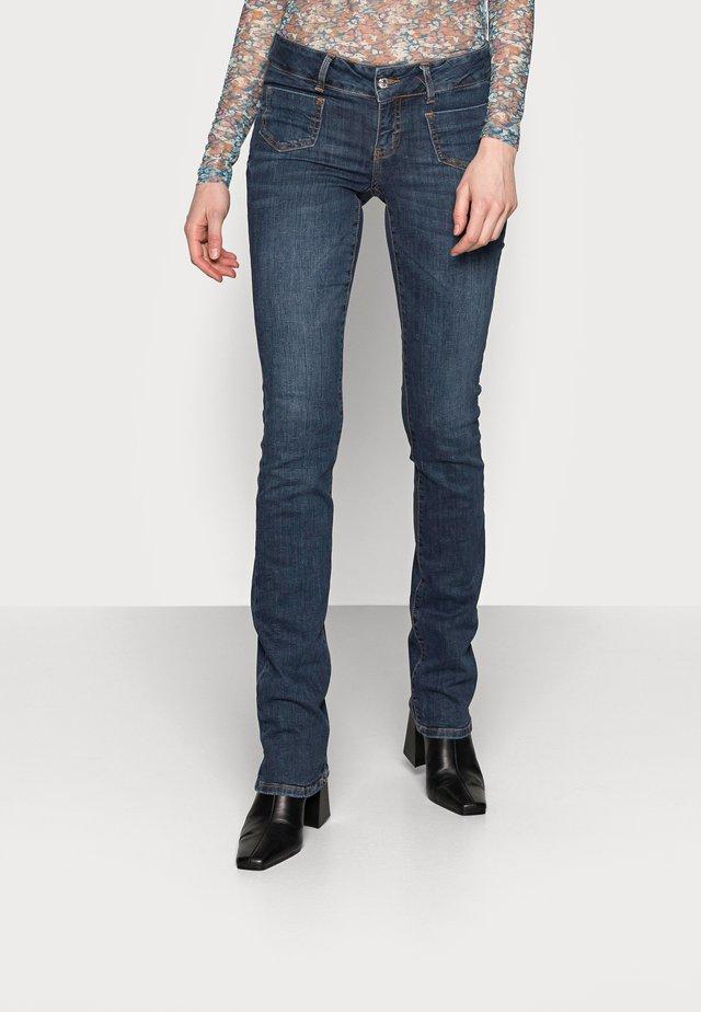 VMDINA  - Jeans a zampa - dark blue denim