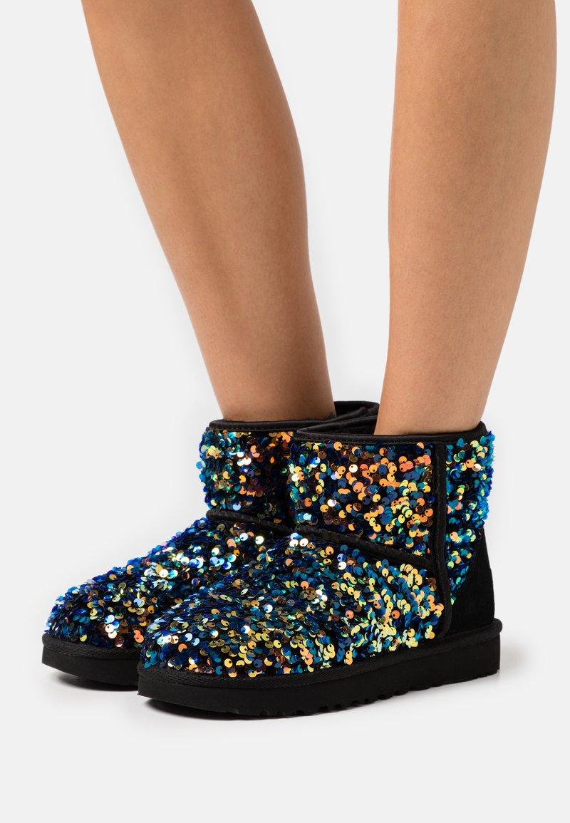 UGG - CLASSIC MINI STELLAR SEQUIN - Classic ankle boots - black