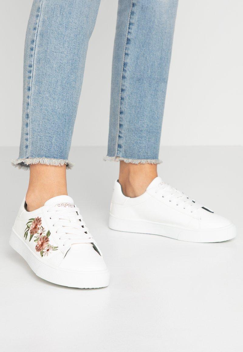 Esprit - CHERRY EMBRO VEGAN - Sneaker low - white