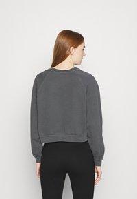 Levi's® - VINTAGE CREW - Sweatshirt - mottled dark grey - 2