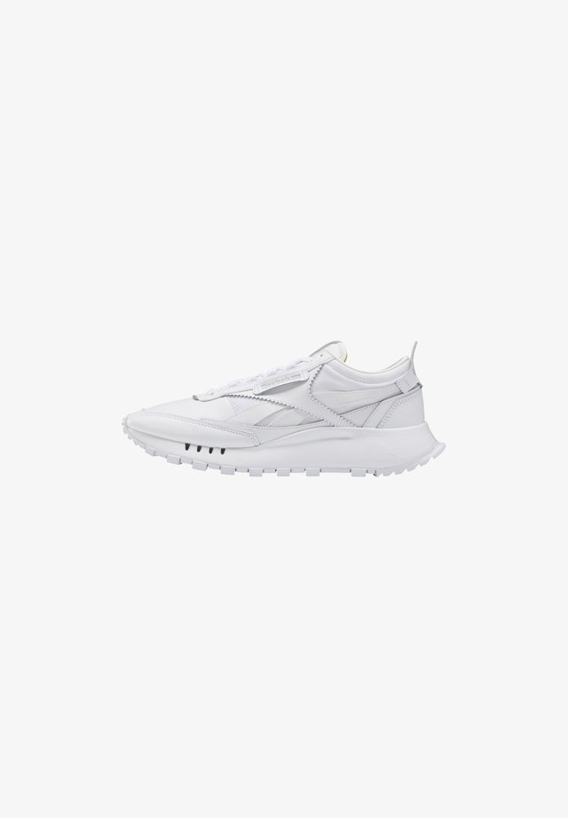 CLASSIC LEATHER LEGACY SHOES - Zapatillas - white