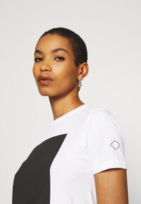 Replay - Print T-shirt - optical white - 3