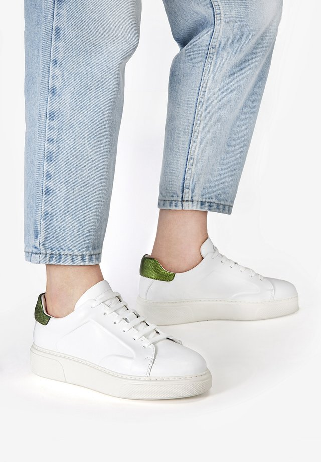 Sneakers laag - white-khaki whk