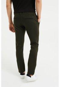 WE Fashion - Chinos - dark green - 2