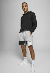Jack & Jones - Shorts - light grey melange - 3
