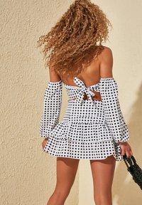 Trendyol - A-line skirt - white - 3