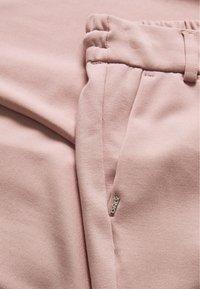 ONLY Petite - ONLPOPTRASH EASY COLOUR PANT - Bukse - pale mauve - 2